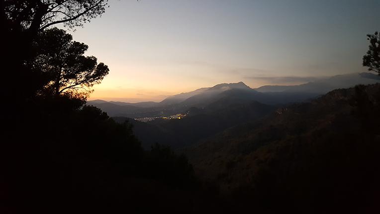 Utsikt över Frigiliana från berget efter en rask promenad i 45 min rakt upp ovanför huset!