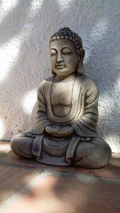 Buddha skänker ro när du ligger i hängmattan!