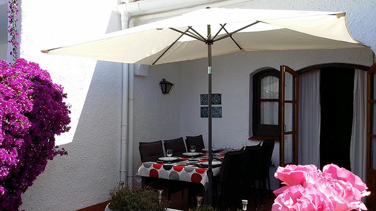 Matplats på terrassen.