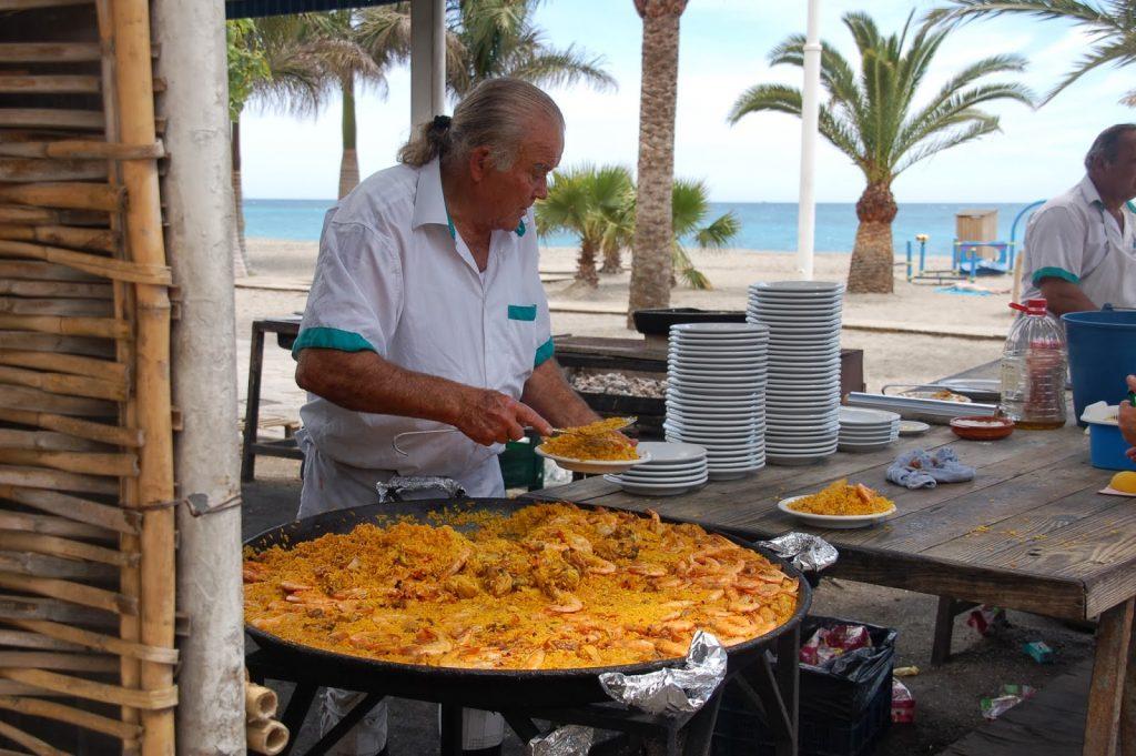 Paella på Ayos på stranden Burriana